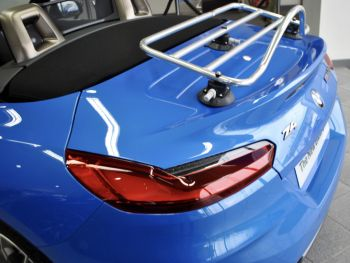 revo-rack 04 polished and anodised luggage rack attached to g29 bmw z4